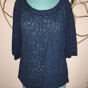 beautiful loose fit 3/4 sleeve top Small